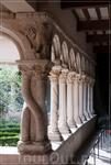 собор Сен-Совёр,монастырский двор
