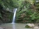 """Водопад """"Девичья коса"""" достаточно глубок в этот период, можно спокойно прыгать с высоты и купаться. Если конечно не боитесь холодной воды горной реки."""