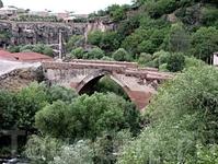 Аштаракский мост XVII в через реку Касах
