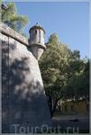 Эвора (Evora) - это город музеев, расположенный в самом центре Португалии. В 1986 г. ЮНЕСКО объявило город мировым историческим наследием.