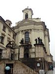 Недалеко от Карловой площади, на Рессловой улице, находится Кафедральный собор Святых Кирилла и Мефодия - главная православная церковь Праги. Изначально ...