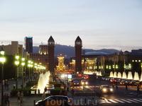 Барселона - площадь рядом с поющими фонтанами.