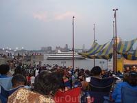 Фестиваль Summer Nights - концерты и кино под открытым небом летними вечерами на берегу Делавера