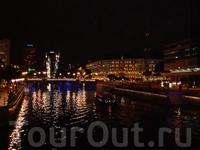 вид на Сlarke Quay с реки Сингапур