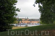 Остров Дьюргарден - отличное место для отдыха и развлечений, здесь находятся первый в мире музей под открытым небом Skansen, детский мир сказок Астрид ...