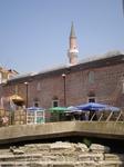 Точная дата возведения Мечети Джумайя не известна, но ученые предполагают, что это середина или конец 14века. Особенность мечети заключается в количестве ...