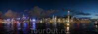 Ночная панорама Гонконга с видом на Central....