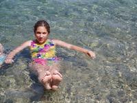 Прозрачная вода в бухте
