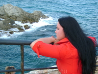 Ллорет де Мар  - маленький курортный городок, сам городок ничем особо не примечателен, а вот пейзажи... море... невозможно не любоваться этим...