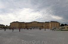Величественный Шенбруннский дворец.