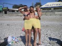На пляже. Презентация моделей женского белья: ну очень большие размеры!...