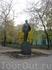 на одной из московских улочек мой взгляд привлек безымянный памятник.