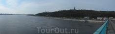 Вид на Киево-Печёрскую Лавру с моста через Днепр
