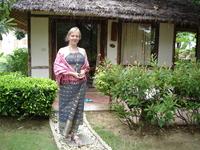 Бунгало в небольшом береговом отеле (типа нашего дома отдыха) очень мило и тихо, в таких местах нет наших соотечественников, впрочем как и прочих иностранцев ...
