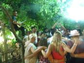 критский вечер, другая таверна на тех же водопадах, сиртаки доупаду