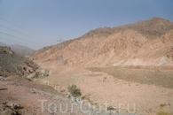 Пустыня. Кругом один песок и ничего больше, впечатляет!