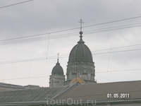 Церковь 1000-летия крещения Руси - вид с вокзала; купола черные - мне это показалось необычным