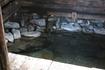 Радоновая ванна, построенная туристами.