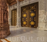 Ворота в храм.
