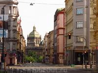 Национальный музей вниз по ул.Сокольской от м.Павлова