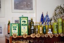 В магазине при фабрике оливкового масла.