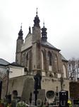 Собор Девы Марии, в нижней части часовни которого и находится костница.