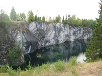С 1830 года запасы красивого отделочного камня истощились, и мрамор продолжили добывать для получения извести открытым и шахтным способом.