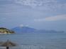 вид с пляжа на соседний остров