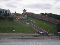 Вид на Нижегородский кремль и Чкаловскую лестницу с теплохода