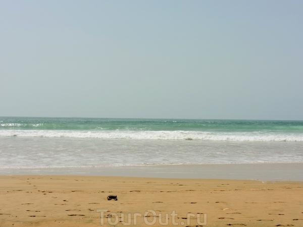 И снова пляж и зеленоватые волны
