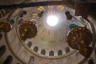 Внутри Храма Гроба Господня