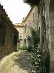 узкие улочки старого города со своей историей и духом романики