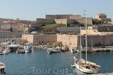 Форт Святого Николая у входа в марсельскую гавань