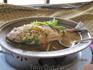 а это просто кулинарный шедевр: рыба в лимонном соусе...