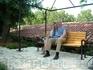 Присели отодохнуть на одной из живописных скамеек