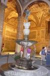 """Скульптура """"Фонтан"""" в палаццо Веккьо."""