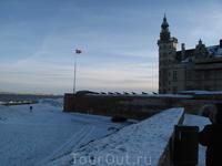 Два врага - датская крепость и шведский берег.