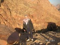 Гора Моисея (Синай); на спуске. Солнышко уже ярко светит