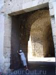 В стене было двое ворот: с северо-западной и с юго-восточной сторон.