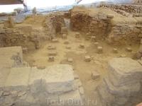 Античная вилла  рабовладельца Эвстолия, по предположению археологов основание отапливаемого (тёплого) пола виллы. Курион.