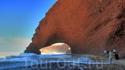 Знаменитый пляж Легзира пропустить грех, тем более на машинах он более чем доступен.