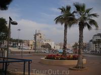 центральная площадь Нетании