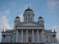 Хельсинки Сенатский Собор  такой фото мне кажется нет только у ленивого причем сколько бы раз не ездил в Хельсинки каждый раз зачем то фотографируешь его ...