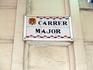 До Пасхи еще три месяца, но, следуя маршруту шествия, мы спускаемся вниз и идем по Calle Mayor. Главная улица города в Аликанте маленькая и довольно узкая ...