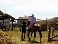 Казачка на коне