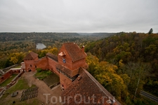 Вид из башни Турайдского замка.