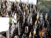 Будды в пещере Пак У.