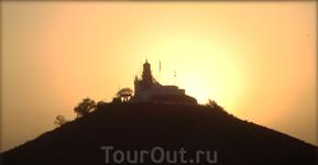 самый западный континентальный маяк Африки - Phare des Mamelles