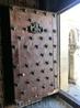 Мы выходим из собора, напоследок заметив, что дверь тоже красивая и явно старинная.