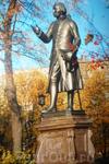 Памятник  Иммануилу  Канту. Фото из  альбома  наших друзей  из Калининграда.На момент экскурсии забыла фотоаппарат дома.           Немного истории.  Первый ...